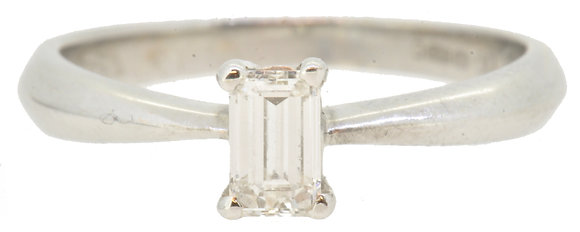 18ct white gold 0.34ct diamond ring front view