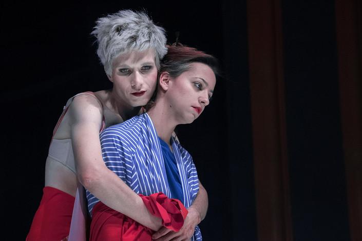 Daniel Krejčík (Einar/Lili) a Petra Horváthová (Greta)