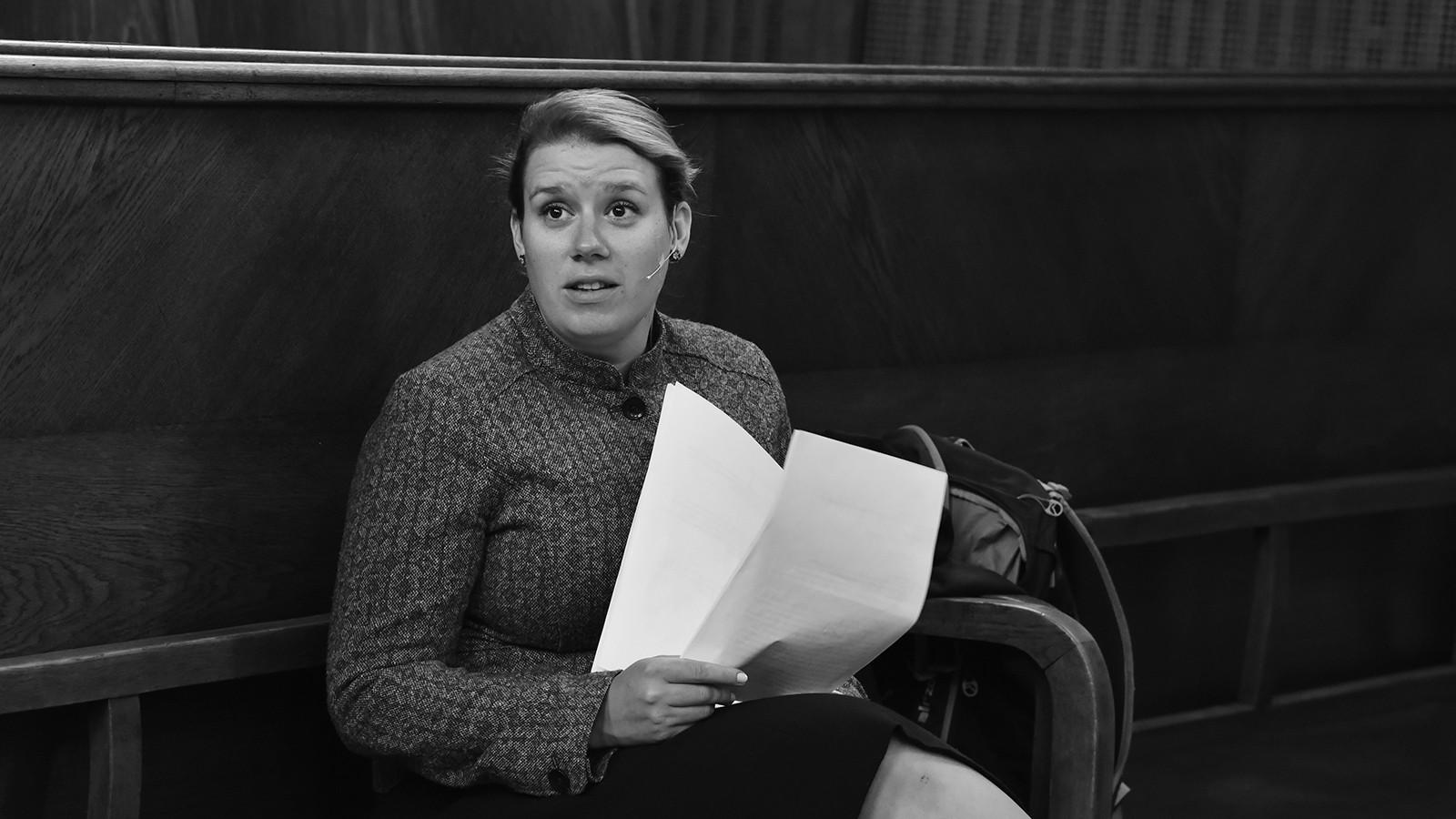 Alena Hladká před představením na Okresním soudě