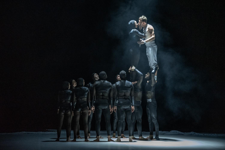 Radim Vizváry a Losers Cirque Company