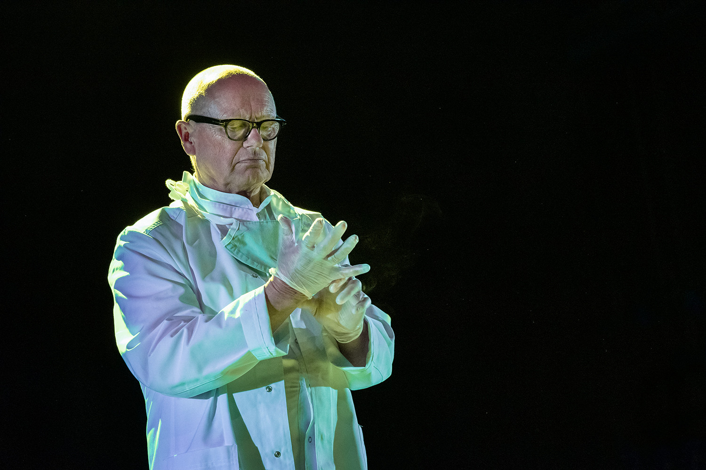 Jiří Korn (profesor Bolk)