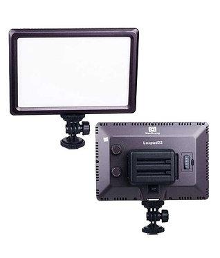 Brilliant Iluminador LED Luxpad 22