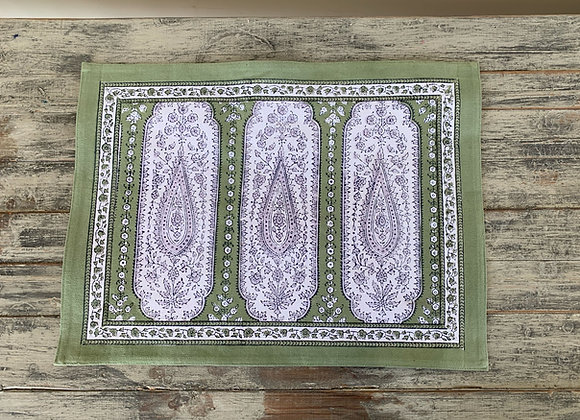 GREEN ALMOND PLACEMAT