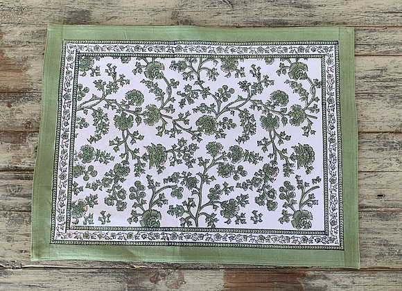 GREEN FLORAL PLACEMAT