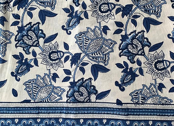 BLUE AND WHITE GARDEN TABLECLOTH