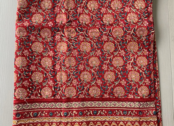 RED & PINK DAISY TABLECLOTH