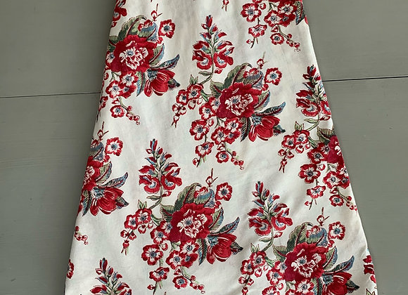 RED FLORIST TABLECLOTH