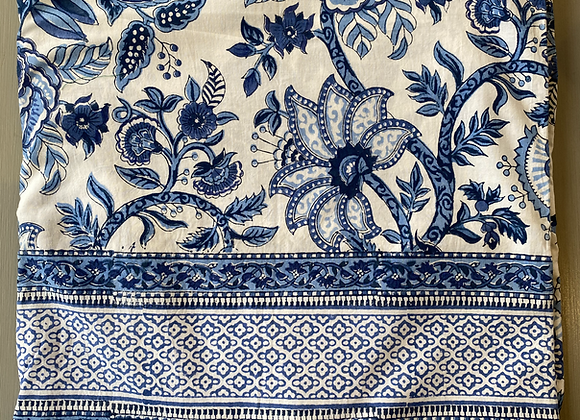 BLUE AND WHITE GARDEN TABLECLOTH