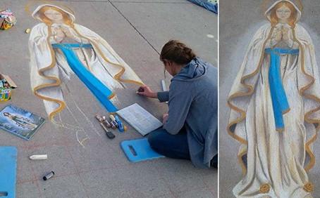 Catholic Teen seeks to Inspire Neighborhood with Marian Art