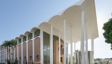 A Look at Gottfried Böhm's Mother Church of São Paulo Apóstolo in Brazil