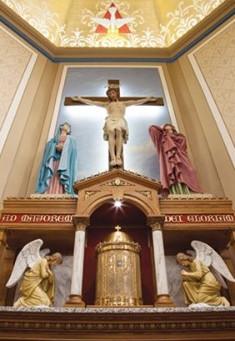Minnesota Church Restored to Former Beauty