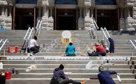 Chicago Church Turns Steps into Art for Corpus Christi