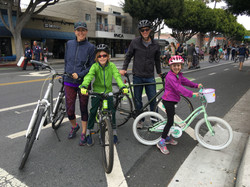 Family Bikeride - Main St SM