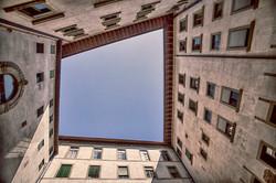 Courtyard de Midici