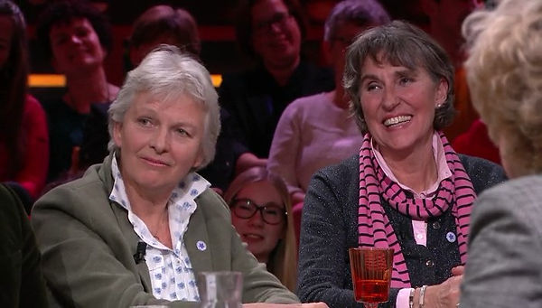 Noudje van Bussel & Doris van Vuuren - R