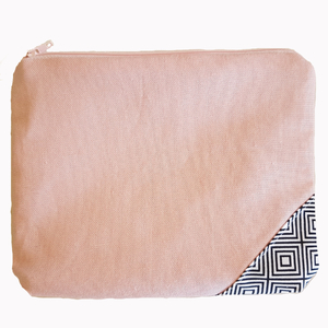 Small pouch Geometrical