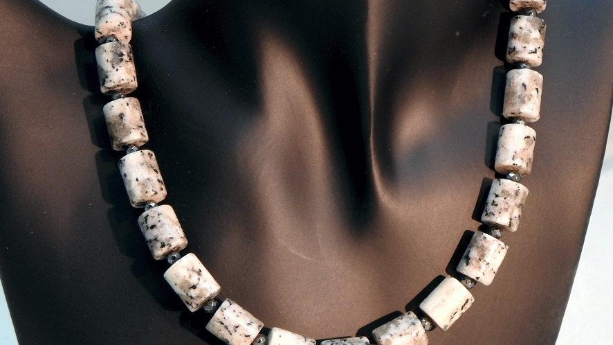 Collier Granit