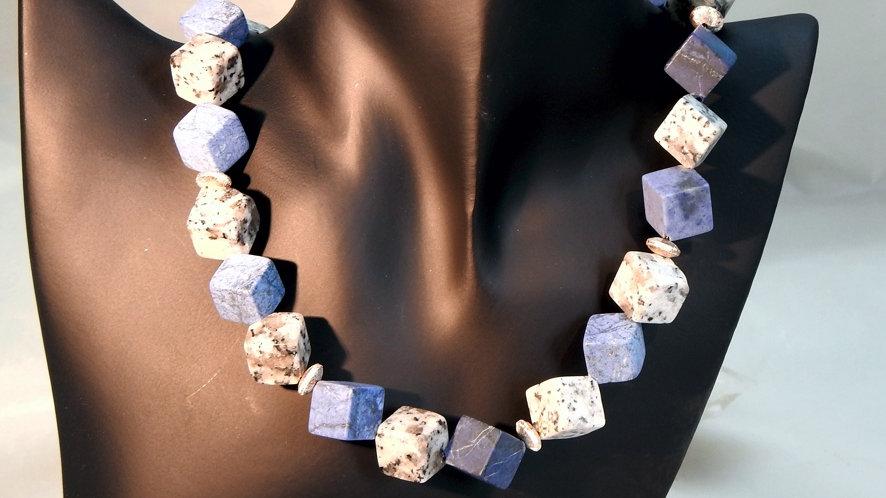 Collier Granit Dumortierit