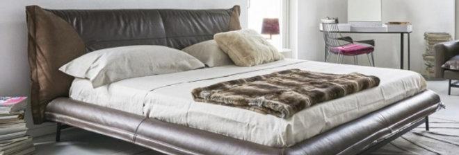 bed Bond series ダブルベッド 高級輸入ベッド