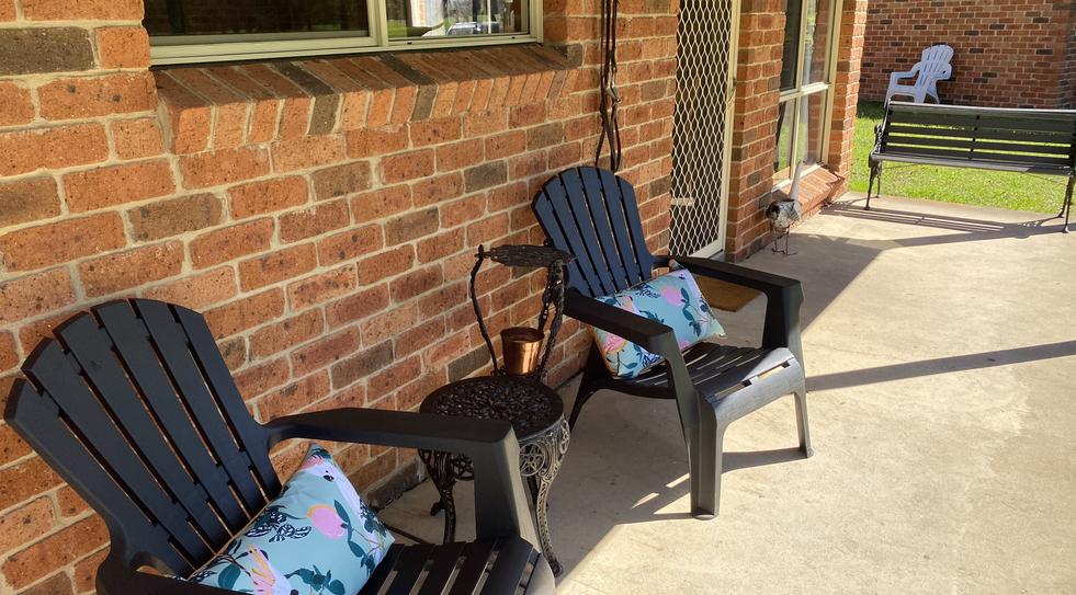 outdoor-seats.HEIC