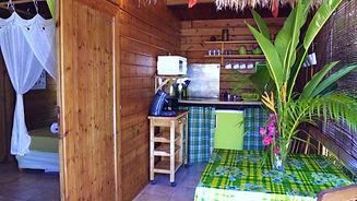 bungalowVert soleil et cocotier