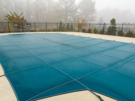 WHICH WINTER POOL COVER IS FOR YOU?