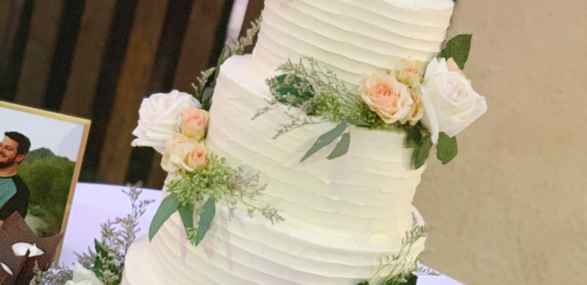 Four tiered peach layered