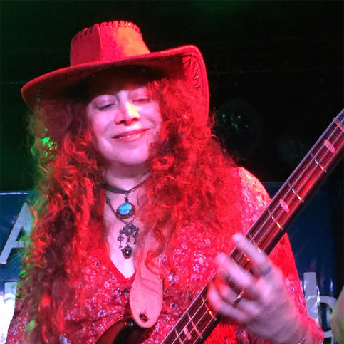 LAURIE ES - Bass & Backing Vocals