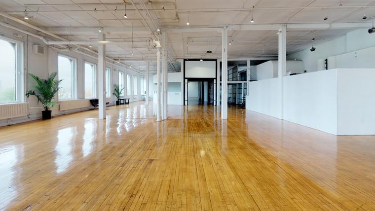 West-Side-Loft-Unfurnished (8).jpg