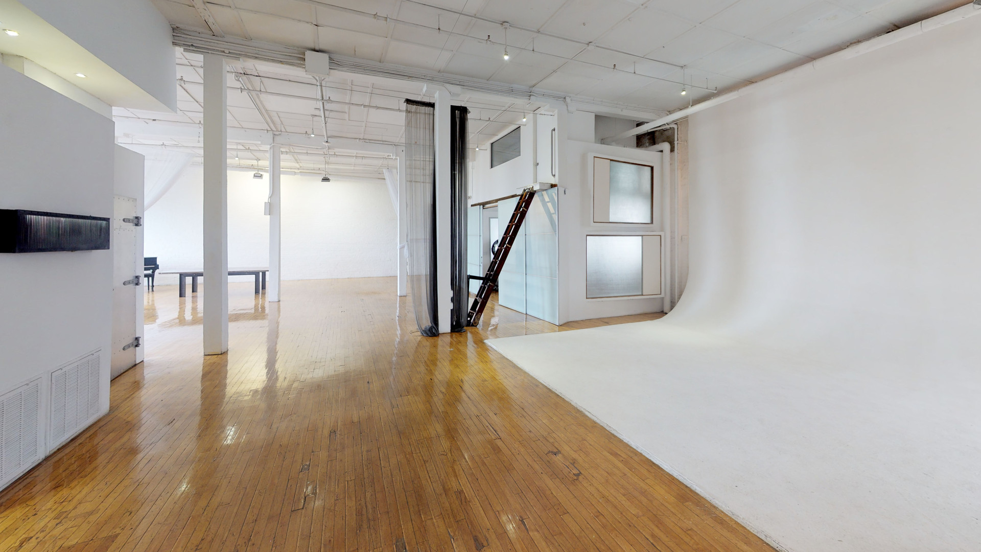 West-Side-Loft-Unfurnished (2).jpg
