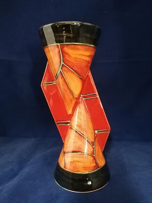 Smart stylish 23cm Art Deco style shape and design