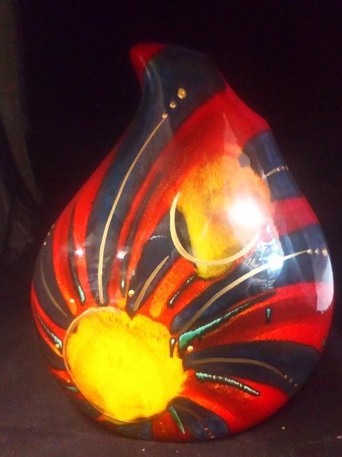22cm teardrop vase in an abstract deign