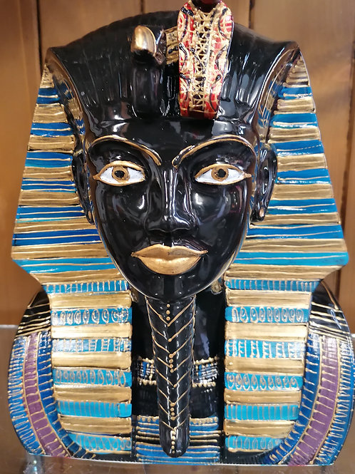 Tutankhamun bust/figure 25cm tall days of painting. Allow 21 days