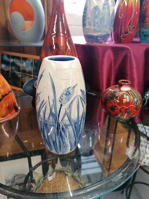 17cm blue and white bullrush skittle vase handpainted