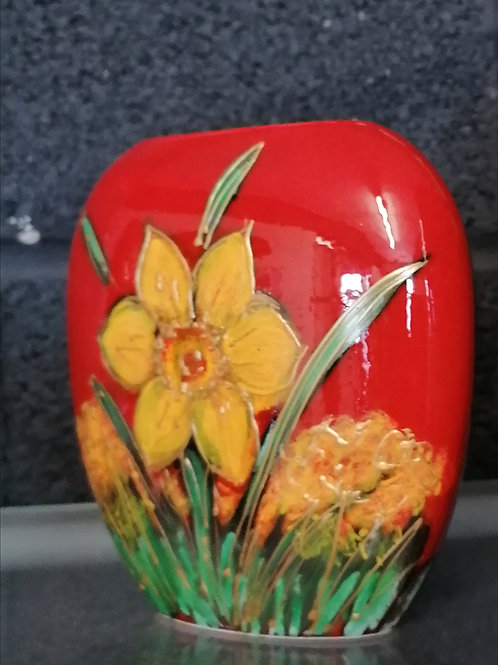 Painted to order stunning Wordsworth 12cm Daffodil vase