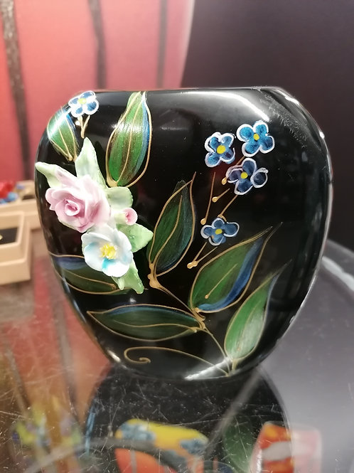 In stock 12cm vase with 3D bouquet entirely hand made and hand painted