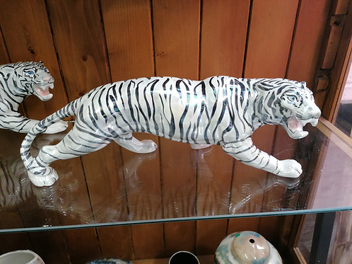 Stunning 14 ins ham painted white lustre tiger with blue eyes