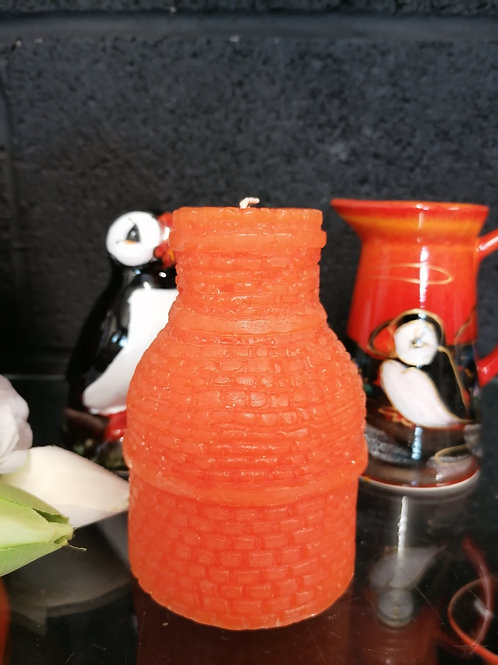 12cm bottle oven candle in orange Amber and Cassis aroma is amazing