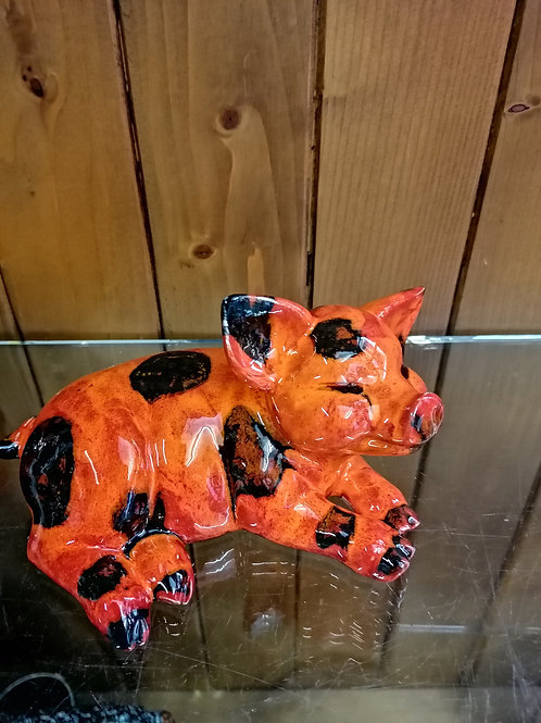 This little pig is made to order is approx 7ins handpainted allow 21 days