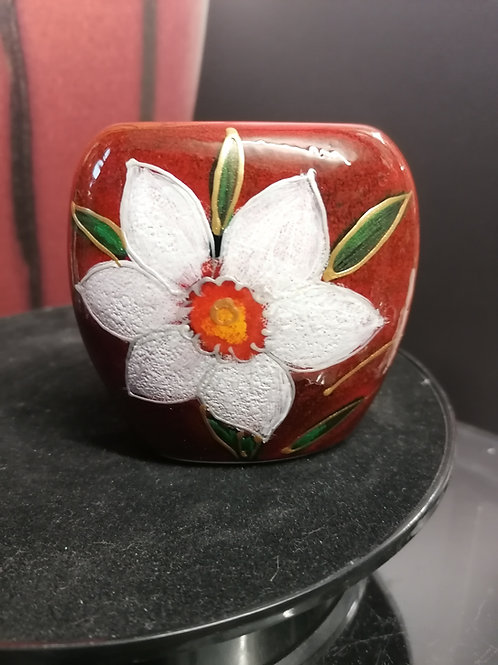 8cm White Daffodil hand painted purse vase what a beauty