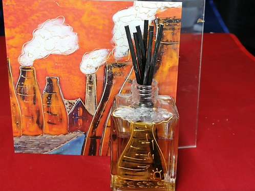 Handpainted diffuser with card fab gift from Stoke on Trent in potteries past