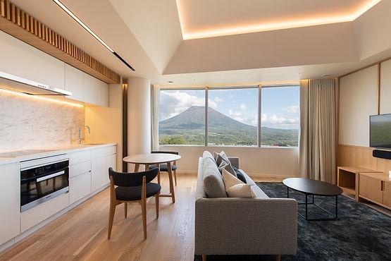 Hokkaido Skye-Niseko-Studio-Interior-Liv