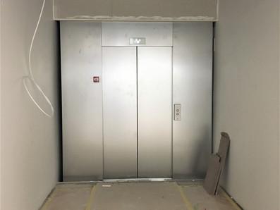 Ny hiss och nytt trapphus