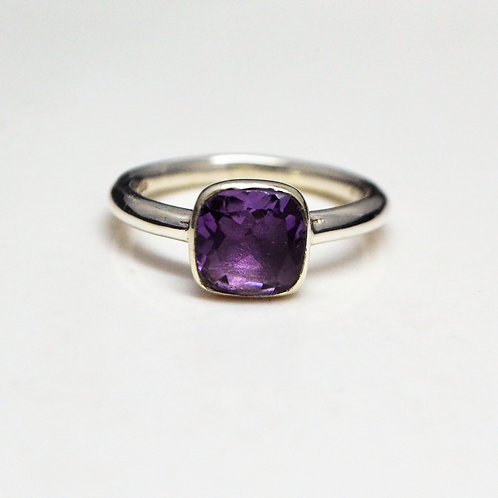 Astonishing 925 Sterling Silver Good Quality Amethyst Unisex Ring
