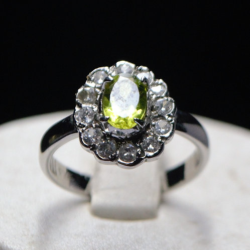 Natural Peridot and Cubic Zirconia Women Ring in 925 Sterling Silver