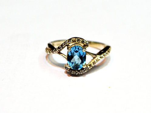Beautiful Natural  Blue Topaz & Cz Women's Ring in 925 Sterling Silver
