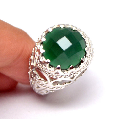 Beautiful Design in Green onyx Carved in Artistic Design 925 Sterling SilverRing
