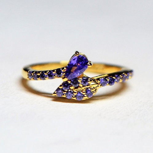 18k Solid Yellow Gold Leaf ring with blue american Diamonds
