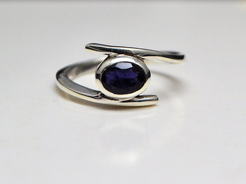 Astonishing 925 Sterling Silver with Natural Blue Sapphire Ring