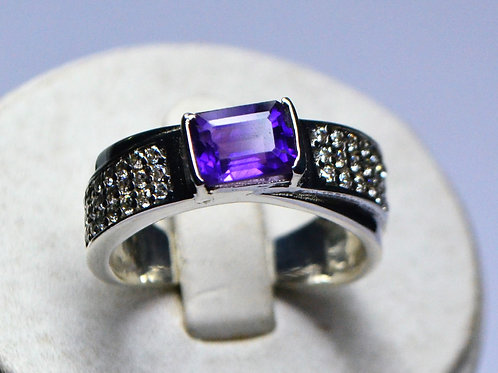 Good Quality Amethyst & CZ Men's Ring in 925 Sterling Silver